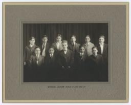 Portrait of Winning Junior Bible Class for 1916-17