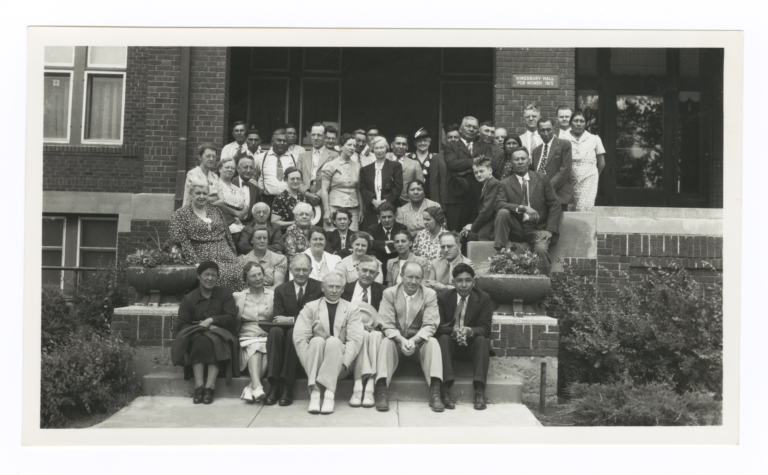 Group in front of Kingsbury Hall for Women