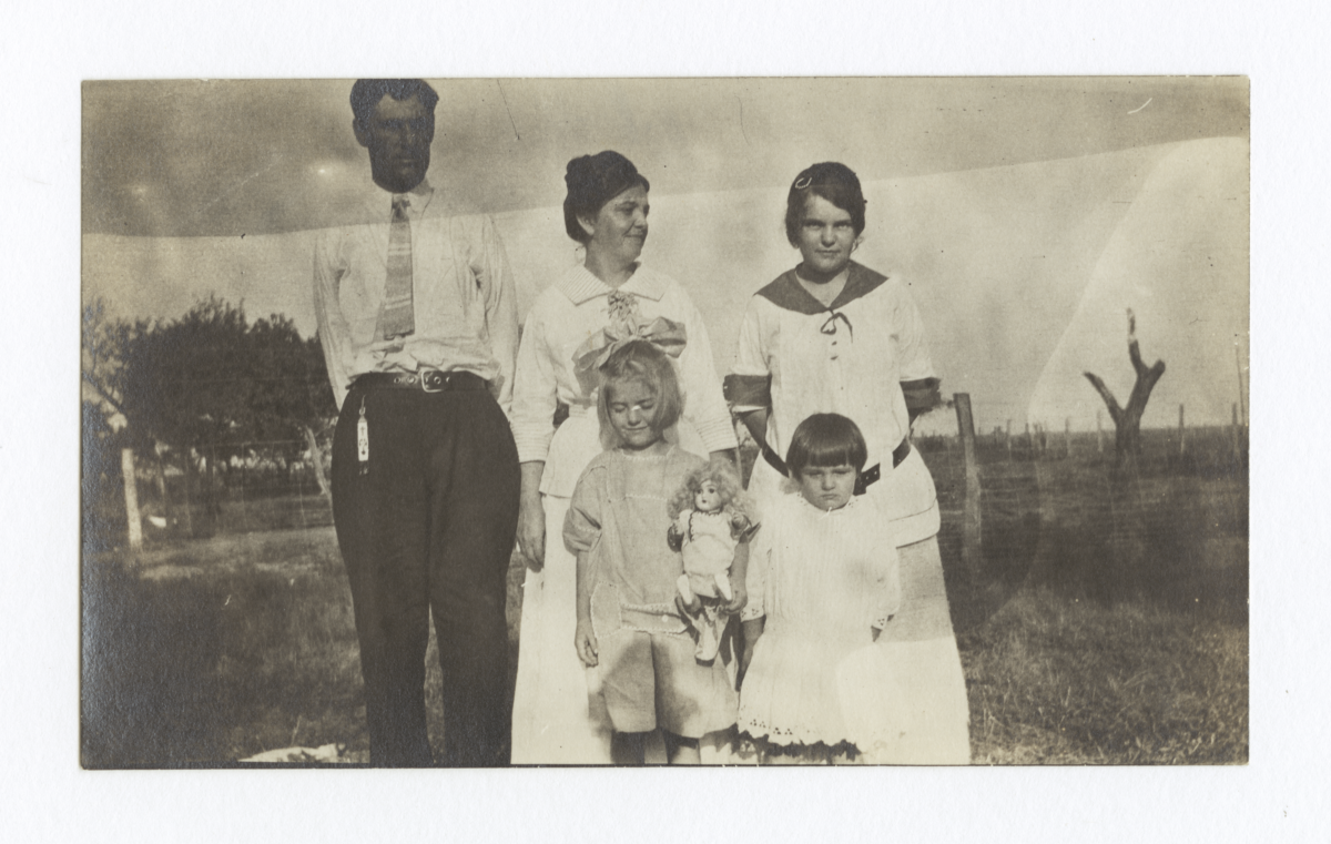 Family Photo, Couple with Three Girls, Outside