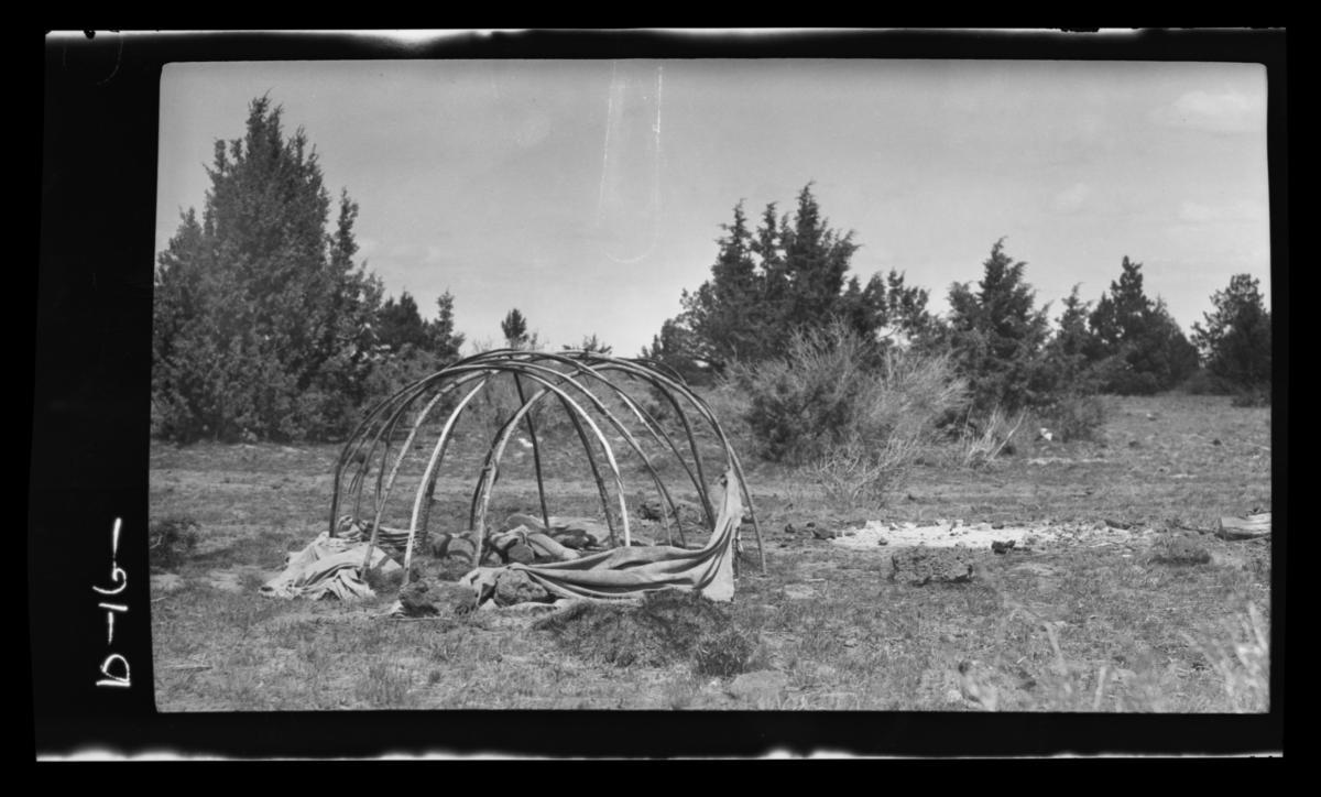 Sweat House, Warm Spring Indians, Oregon