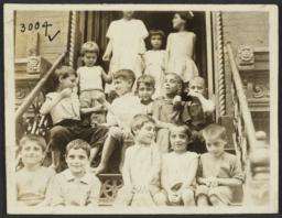 Children on Stoop