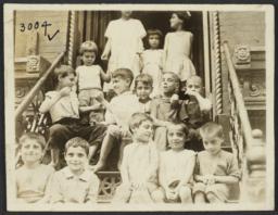 Children on Stoop