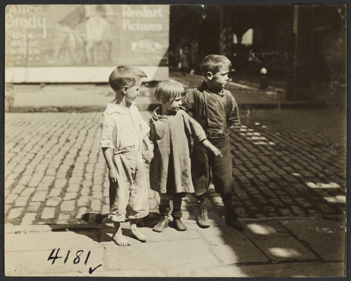 Three Children near El