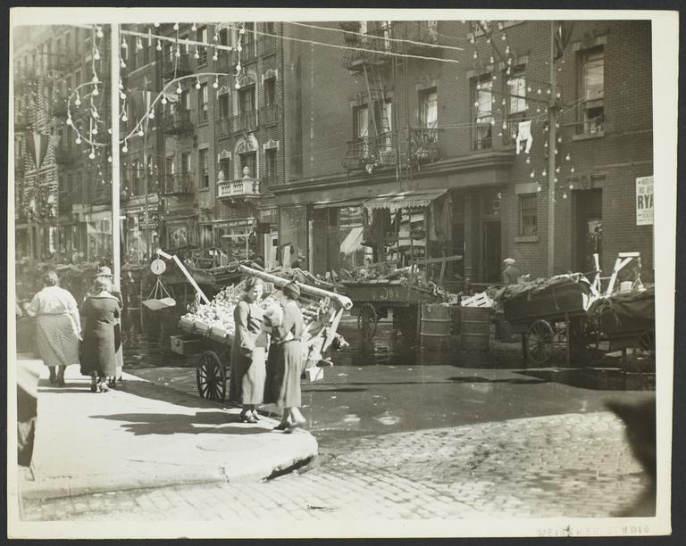 Street Scene in Mulberry Bend