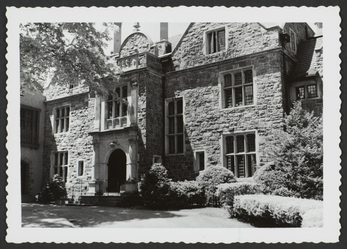 Entrance of Ward Manor House