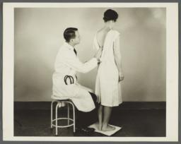 Health Examination-Women Album -- Posture-Feet