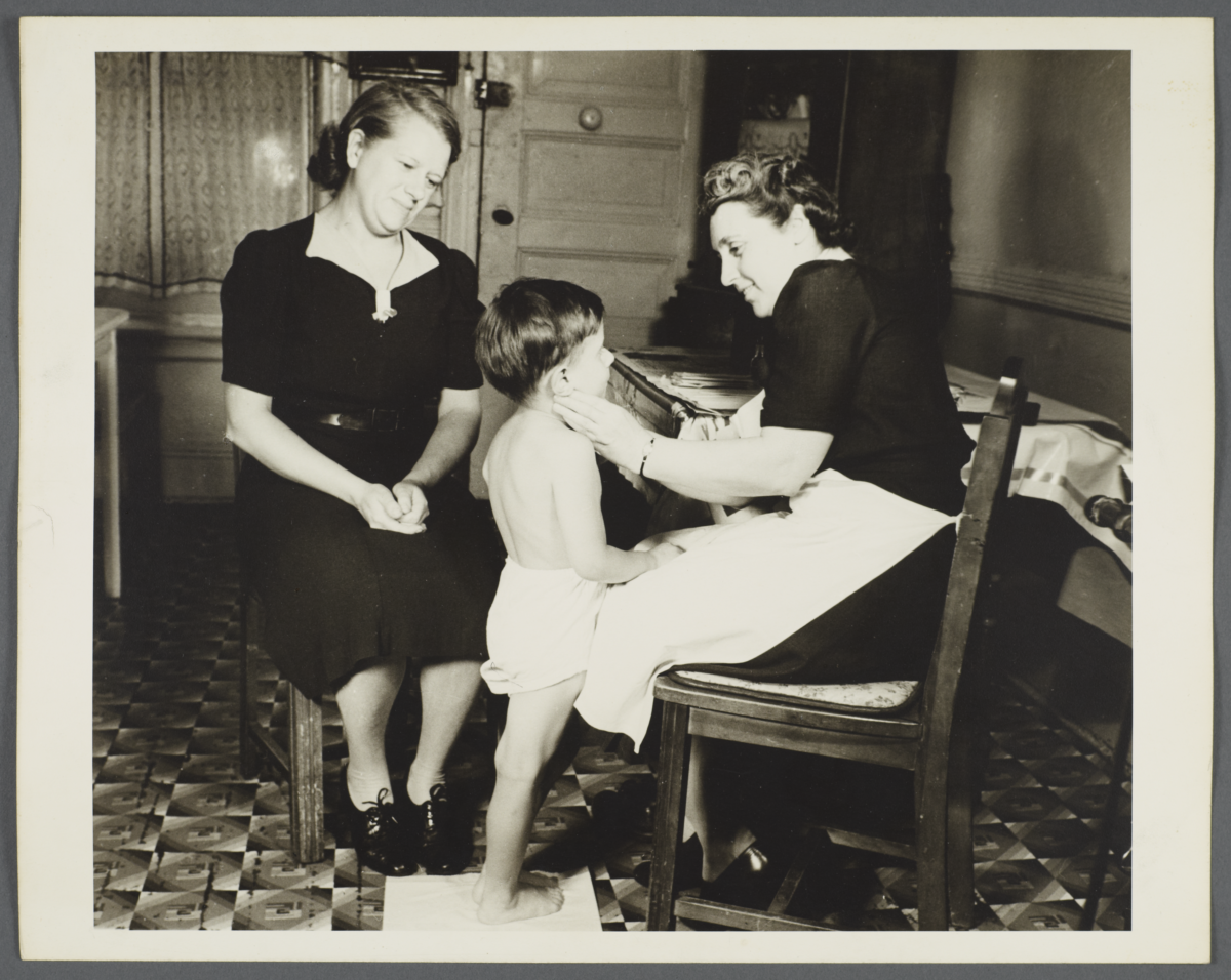 Nurses' Family Health Series: Tuberculosis Album -- Health Inspection Shows No Enlarged Glands