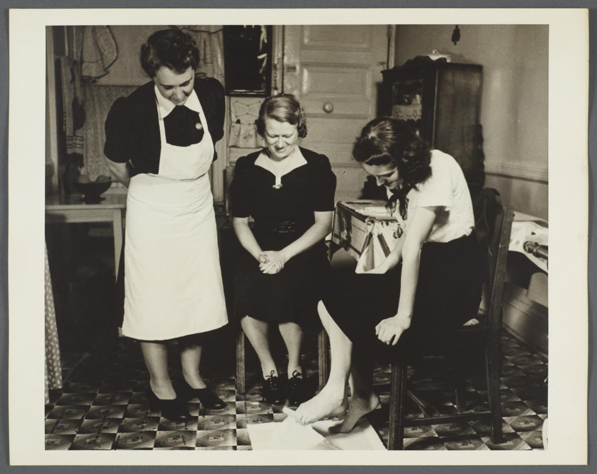 Nurses' Family Health Series: Tuberculosis Album -- Foot Exercices