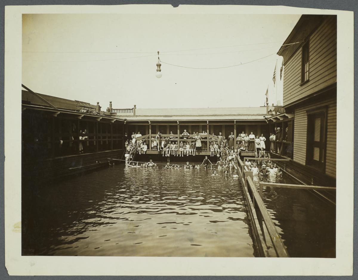 Interior Battery Floating Bath